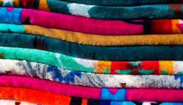 how to wash plush and fluffy blankets